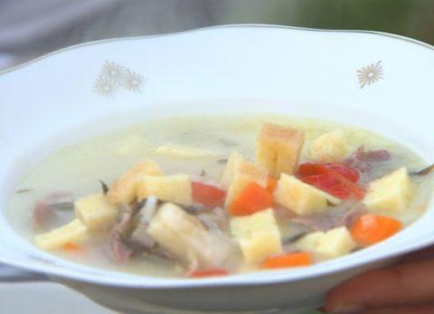 Tárkonyos grízkocka leves
