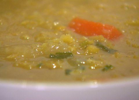 Kókuszkrémes vöröslencse leves